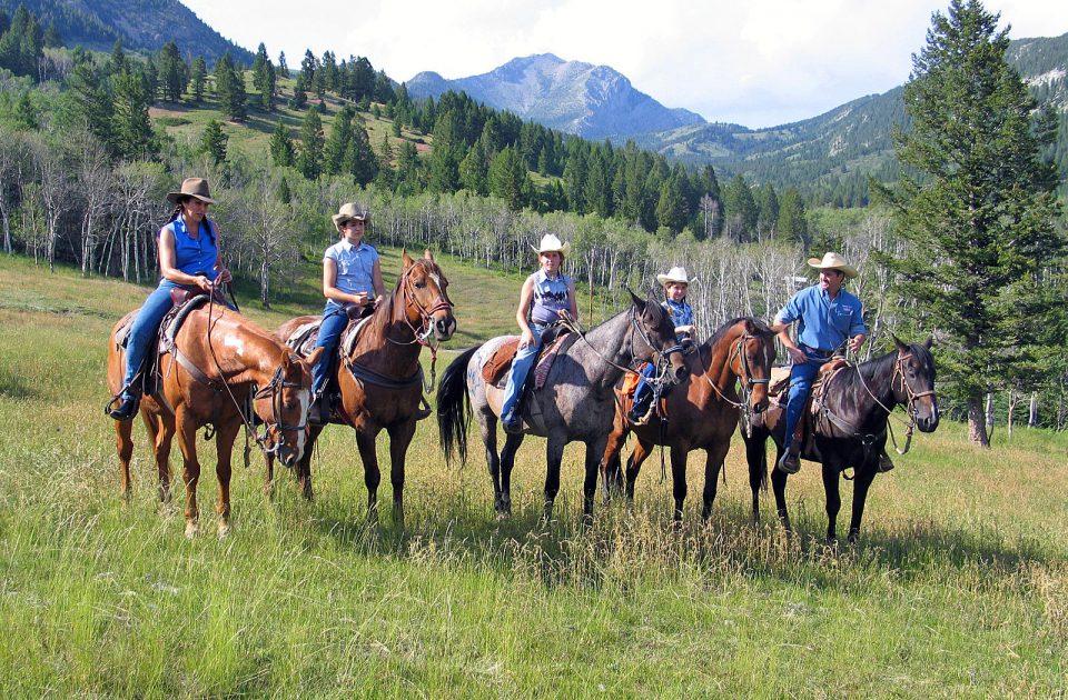 Horseback riding vacation Augusta Montana