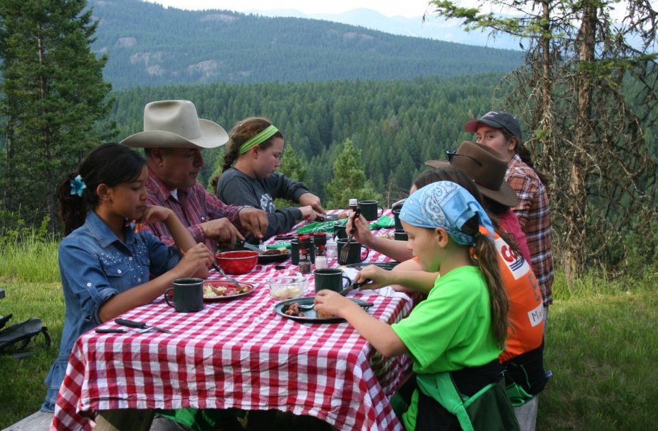 Share a meal at the Bar W Guest Ranch | Picnic