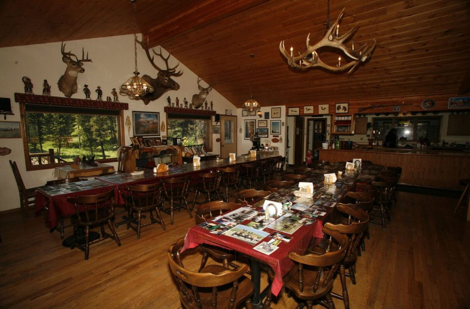 Eat a meal together at Rich's Montana Guest Ranch